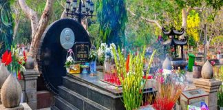 Cách sắm lễ và bài văn khấn mộ cô Sáu
