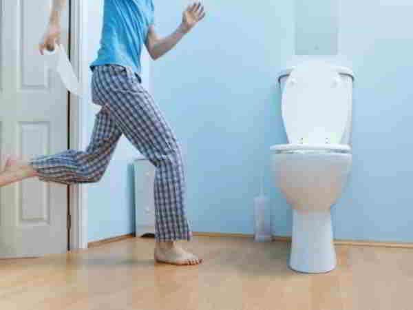 Nằm mơ đi vệ sinh nên đánh con gì