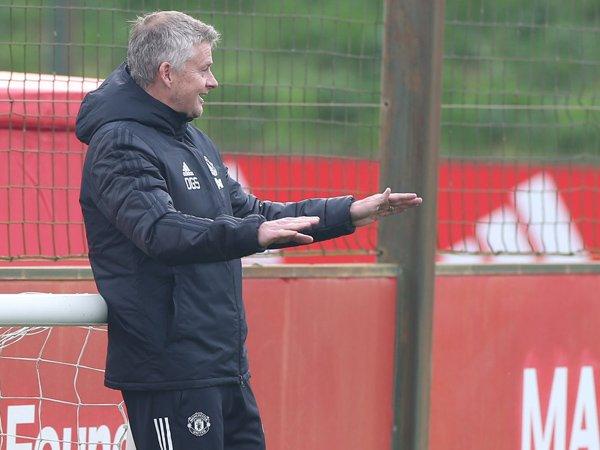 """Bóng đá quốc tế chiều 24/10: Solskjaer dự tính thay đổi nhằm giúp MU bớt """"dại nhà"""""""