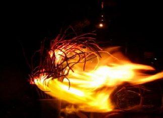 Bát hương bốc cháy điềm báo gì